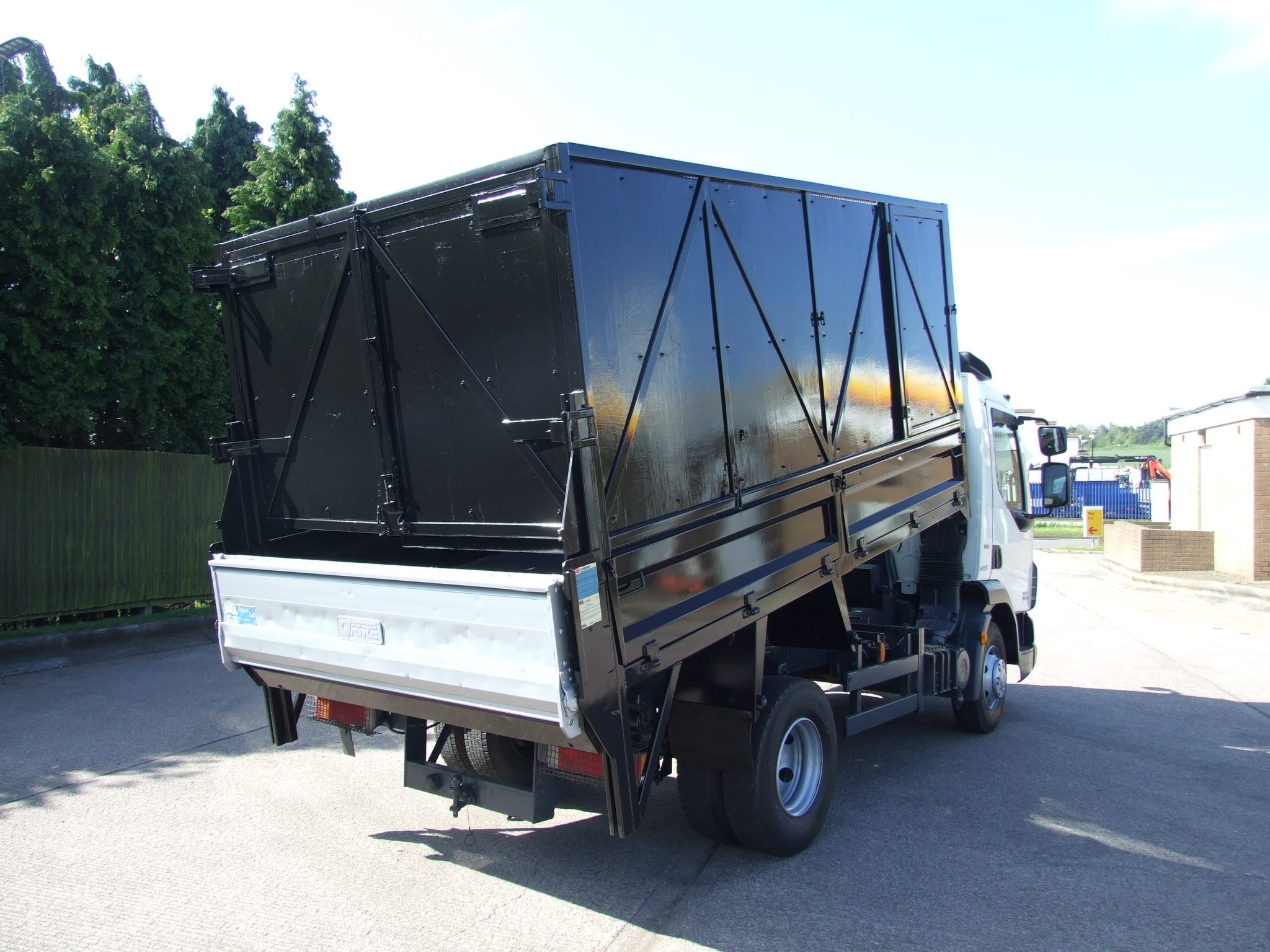 Mercedes Benz Of West Chester >> EXAMPLE OF A CAGED TIPPER - Cromwell Trucks