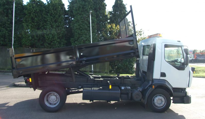 85,000 KMS ONLY RENAULT 16 TONNE TIPPERS full