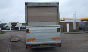 111000 KMS BOX VAN 18FT WITH TAIL LIFT full