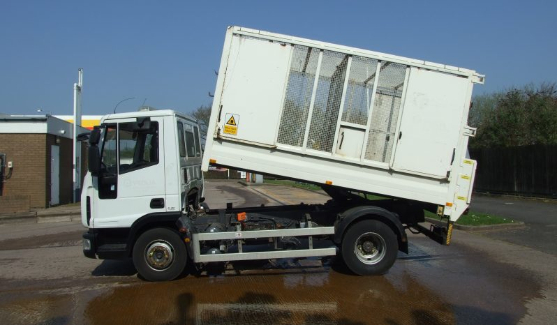 white iveco mesh tipper truck