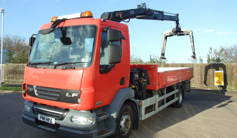 very front left hand side of daf 11 plate crane
